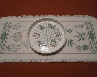 1980s Vintage Botanical Porcelain Quiche Oven Dish and runner