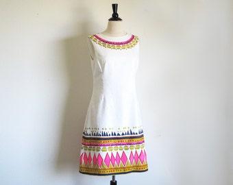 Vintage 60s Graphic Shift, Alex Coleman, 1960 White Sleeveless Dress