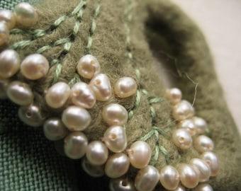 Needle FELTED BROOCH Pearl Green Felt Wool Wearable Art