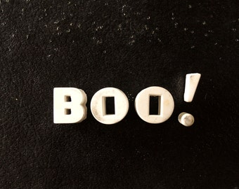 "Vintage White Ceramic Push Pins ""BOO!"" (c.1940s) - Halloween Bulletin Board Decor, Altered Art Supply, and more"