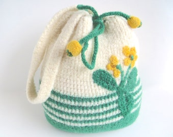 "Felt bag/Felt pouch ""Leonie"", pure wool, crocheted, felted, white, grass green, sunny yellow, dandelion, meadow, floral, OOAK, one of a kind"