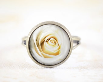 White Rose Ring - Rosebud Jewelry, White Flower Ring, Cottage Chic Jewelry, White Rose Bud Ring, White Blossom Jewelry Ring, Small Ring