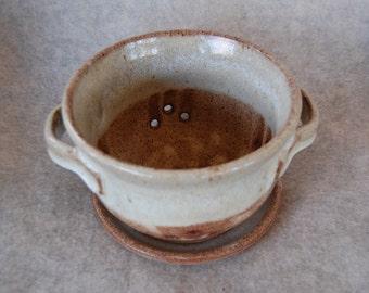 Sand Dune Stoneware Berry Bowl