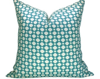 Betwixt pillow cover in Pool/Natural