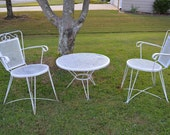Outdoor Furniture!! Hairpin Salterini Era Outdoor Petite Mid Century Set. White Metal. Eames Era. Comfortable patio set.