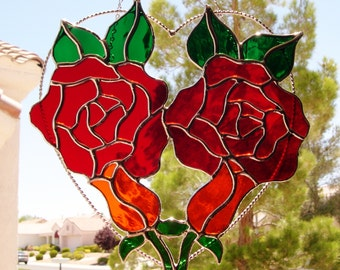 Stained Glass Red Roses with Two  Rose Buds  (433)