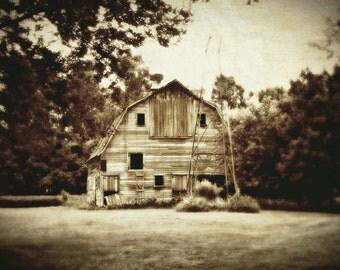Sepia Farm Scene / Barn / Farm Landscape / Sepia Barn / Barn Picture