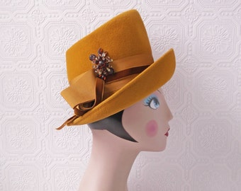 1960's Mustard Hat, Yellow High Hat, Jane Austen meets Boho, Asymmetrical Wool Hat with Brooch, size adult Small, by Gibbe Hat, Vintage