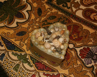 """Heart Box with Lid Covered with Shells of all kinds and Seashore Decals Inside, 4""""L x 3.5""""W, Cardboard Box, Signed"""