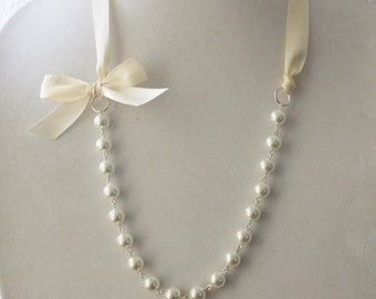 White Pearl and Ivory Ribbon Bow Necklace