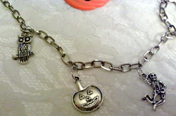 https://www.etsy.com/listing/194025003/great-pumpkin-necklace?ref=teams_post