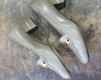 Size 40 1/2 Vintage Gold Chain LOAFERS / Kurt Geiger Block Heel Leather Shoe / Women's Heels