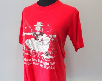 Vintage Man Fishing Graphic T-Shirt Size Medium 1985