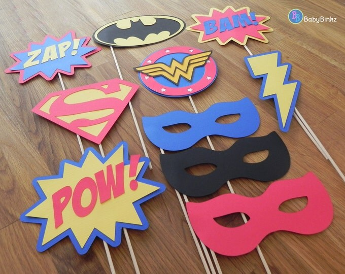 Photo Props: The Justice League Super Hero Set (10 Pieces) - party wedding birthday mask wonder woman superman batman centerpiece