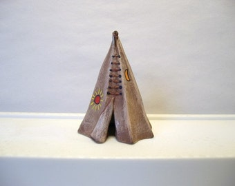 Tepee, Miniatue ceramic North American Indian teepee