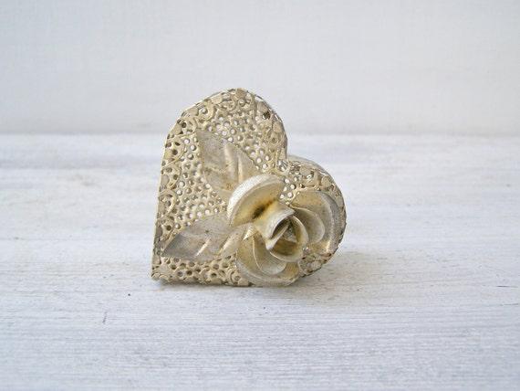 Vintage Heart trinket box, Silver tone filigree floral  small gift box, Retro Jewelry box, Woman Romantic gift, wedding ring, Girl gift