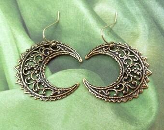Gold Crescent Moon Earrings, Dangle Earrings, Gold Earrings, 14K gold filled, wiccan, wicca, celtic, weddings, summer