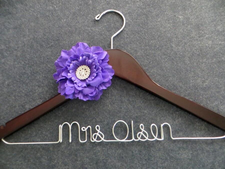 PURPLE Flower Bridal Hanger - Wedding Dress Hanger - Personalized Name Hanger - Mrs Hanger - Bride Hanger - Engagement Gift - Bride Hangar