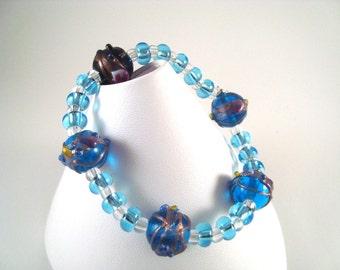 Blue lampwork Beaded Bracelet Blue Lampwork Stretch bracelet. B002