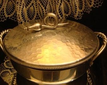 BHW BUENILUM Hammered, Lidded ALUMINUM Serving Dish with Pyrex Inner Dish, Retro Kitchen, Vintage Home