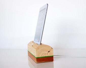 iPad mini wooden dock - iPad mini / mini 2 / mini 3 / iPad mini 4 - can serve as iPad mini holder / iPad mini stand...