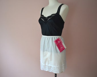 Groovy Lacy Culotte Slip Skirt Vintage Lingerie Dead Stock Size Small Medium - VL262