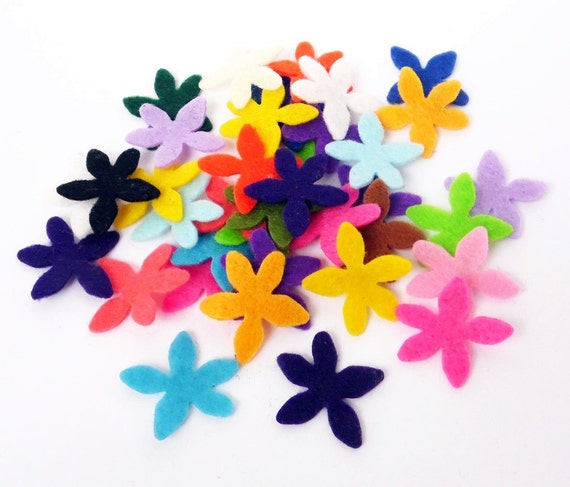 Felt flowers. 50 flowers, felt flower, Party Supply, DIY Wedding, Scrap supply