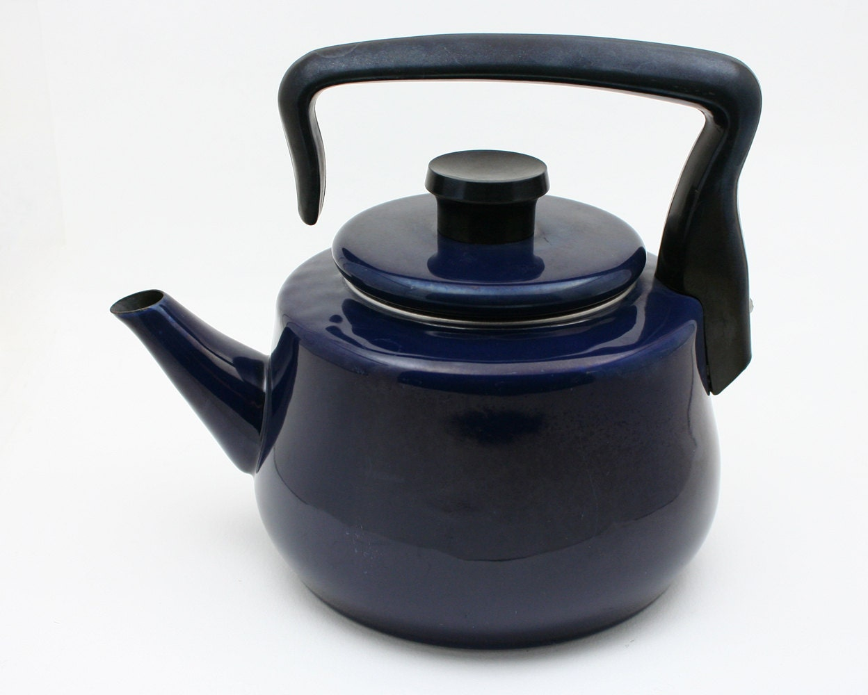 Tea kettle midnight blue enamelware teapot by SmilingCatVintage #232630
