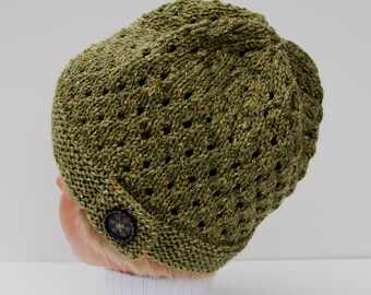 Green knit hat, merino wool hat with button, button hat, knit women's hat, knit green hat, green beanie, knit wool hat, green knit beanie