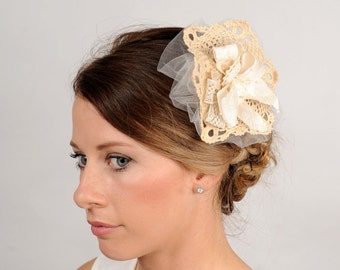 Wedding Hair Piece Rustic Lace Bridal Comb Floral Hair Comb Vintage Inspired Hair Clip Bridal Flower Head Piece Ivory Shabby Chic Comb
