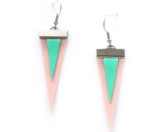GEOMERTIC TRIANGLE EARRINGS in pink and mint