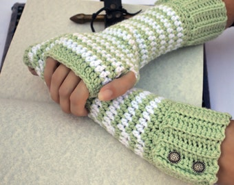 mint and white arm warmers, fingerless gloves, texting gloves, crochet gloves, boho gloves, hand warmers, boho fashion, button gloves
