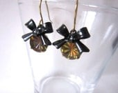 Set glass stone earrings with bows