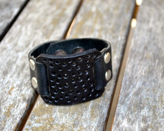 Black leather bracelet cuff with snap closure - Handmade