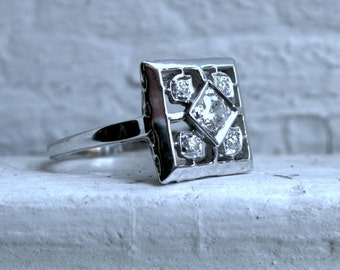 Vintage 14K White Gold Diamond Cluster Engagement Ring - 0.72ct