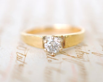 SALE /// 1960's Vintage / 14k gold and 0.3 carat diamond ring / Engagement wedding ring / classic solitaire