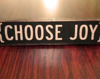 Vintage Wood  'Choose Joy' Sign