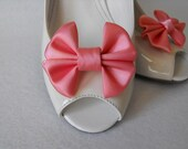Handmade bow shoe clips bridal shoe clips wedding accessories in coral reef (light coral) with matching hair clip