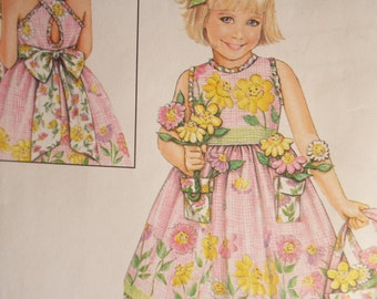 Here comes the sun dress little girls sundress pattern Daisy Kingdom Simplicity 5132 size 3-6