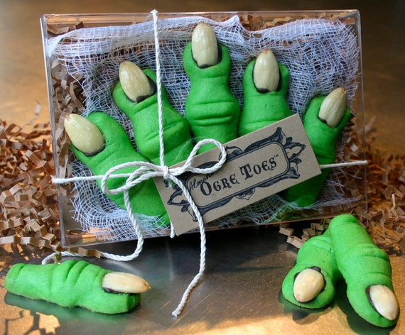 Ogre Toes are Fun Cookies for Shrek Parties & Halloween: 1 Maple flavored Five Toe Gift Box