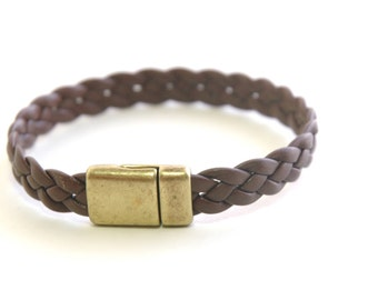 Mens leather bracelet, Flat braid leather, Brown leather bracelet, Men's Jewelry, Mens gift, Braided leather bracelet, Brass Magnetic clasp