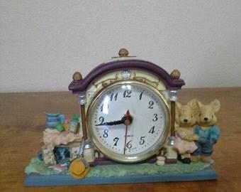 Quartz Clock  Ma & Pa Bears  nice gift