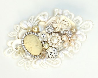 Cameo Bridal Hairpiece- Cameo Comb-Vintage Inspired Hair Accessories- Cameo Hairpiece-Lace wedding comb- Bridal Hair Accessories- BEAUTIFUL