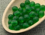 Green beads, Frosted round, 7mm Czech glass - 30pc last