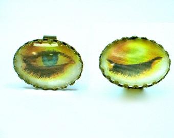 Winking eye. Eye ring. 3D effect. Modern Jewelry. Vari-Vue Lenticular 3D. Holographic. gift for her