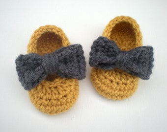 PATTERN: Sadie Slippers- Easy Crochet P D F, baby girl shoes with detachable bows, 3 SIZES, DigiTal DownLoaD, Permission to Sell