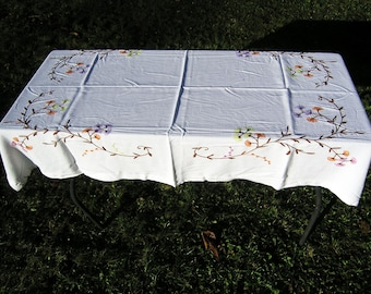 Vintage White Tablecloth with Embroidered Flowers, Cotton Tablecloth with Embroidery, White Tablecloth with Floral Embroidery, Table linens