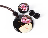 Mintapalinta MOM, Kokeshi Doll Porcelain Jewelry Set, Japanese Cherry Blossom