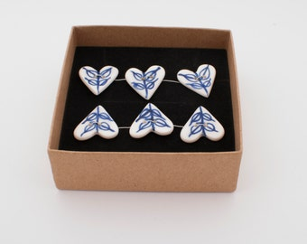 Blue and white - Delft blue contemporary  hand painted porcelain heart buttons - lot of 6