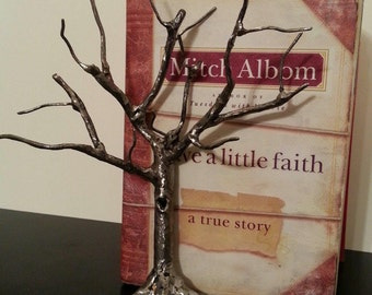 Tree bookend
